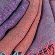 Foulards en coton naturel tissés à la main