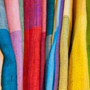 Foulards en soie brute du Cambodge