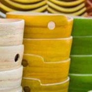 Bols en bambou naturel et bols laqués